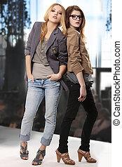 adolescent, exposition, mode, filles, modelage