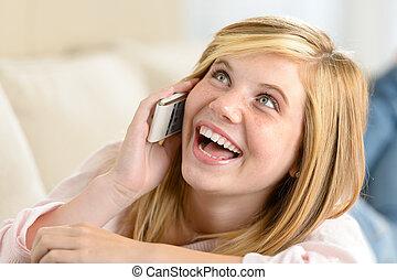 adolescent, femme, appeler, gai, téléphone, rire