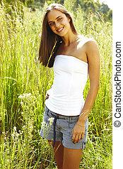 adolescent, femme, herbe, jeune