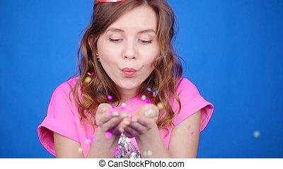 adolescent, femme, sequins, jeune, confetti, fille partie, ou, heureux