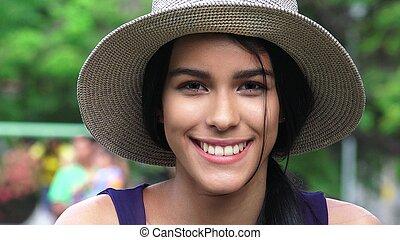 adolescent, fille souriante
