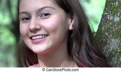 adolescent, fille souriante, joli