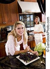adolescent, heureux, girl, cuisine, mère