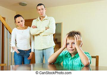 adolescent, maison, parents, avoir, conflit