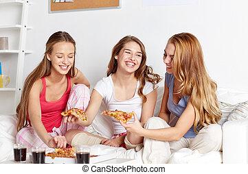 adolescent, manger, filles, maison, heureux, amis, ou, pizza