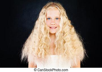 adolescent, mignon, bouclé, jeune, cheveux, fond, hair., sombre, girl, blond