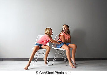 adolescent, peu, elle, discussion, furieux, girl