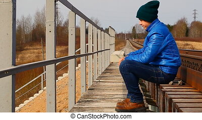 adolescent, pont ferroviaire