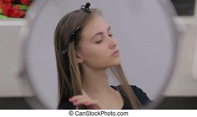 adolescent, regarder, girl, appareil photo, joli