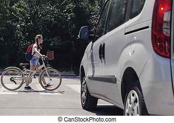adolescent, sac à dos, piéton, vélo, croisement, girl
