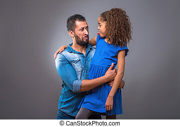 adolescent, sien, fille, père, jeune, étreindre, noir