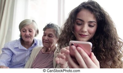 adolescent, smartphone, grand-mère, girl, mère, home.