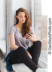 adolescent, smartphone, texting, triste, jolie fille