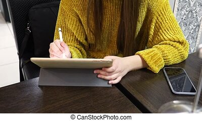 adolescent, stylus, graphiques, dessine, tablette, girl