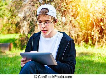 adolescent, tablette