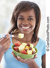 adolescente, comer, salada, fruta, fresco, menina