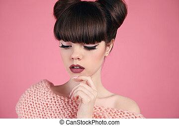 adolescente, cor-de-rosa, penteado, moda, beleza, sobre, matte, makeup., experiência., lábios, morena, posar, model., estúdio, menina