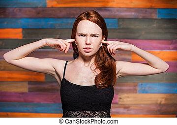 adolescente, dela, cobertura, dedos, jovem, seu, orelhas