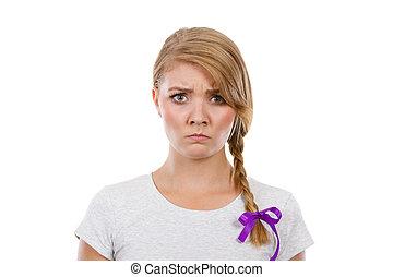 adolescente, enojado, cara, pelo, elaboración, niña, trenza