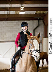 Adolescente, equitación, niña, caballo