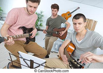adolescente, faixa, executar, música, fase