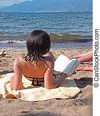 adolescente, leitura, praia