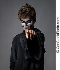 adolescente, maquillaje, dedo, cráneo, puntos