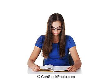 adolescente niña, aprendizaje, escritorio