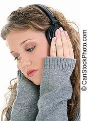 adolescente niña, auriculares