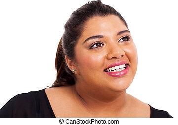 adolescente niña, sobrepeso, feliz