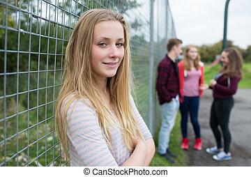 adolescente, pátio recreio, penduradas, retrato, amigos menina, saída