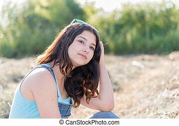 adolescente, paja, niña, retrato, campo