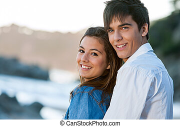 adolescente, playa., pareja, encima de cierre, retrato