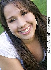 adolescente, ragazza sorridente
