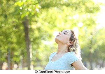 adolescente, respirar, relaxado, parque, ar, fresco, menina