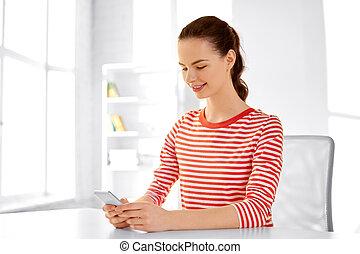 adolescente, séance, table, smartphone