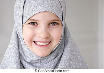 adolescente, tímidamente, musulmán, el mirar joven, sonreír...