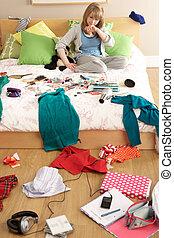 adolescente, untidy, menina, quarto