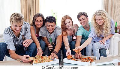 adolescentes, comer pizza, hogar