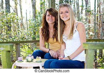adolescenti, treehouse