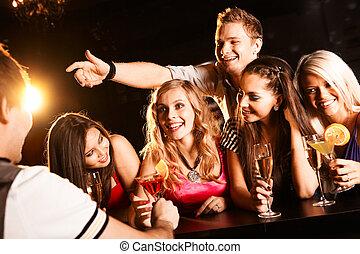 adolescents, bavarder