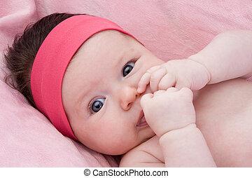 adorável, bebê, recem nascido, com, olhos azuis
