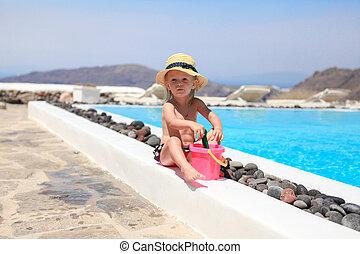 adorável, menininha, perto, piscina, durante, grego, férias, em, santorini