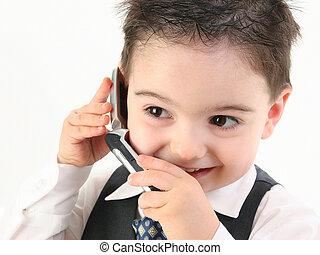 adorável, menino bebê, em, paleto, ligado, cellphone