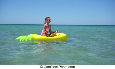 adorable, matelas, girl, mer, gonflable, air