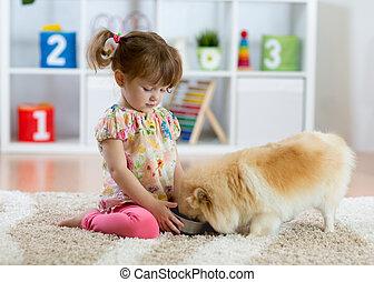 adorable, petite fille, alimentation, mignon, chien