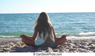 adorable, plage, pendant, girl, vacances, été, peu