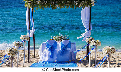 adornado, boda, tabla, en la playa, suave, tarde, luz