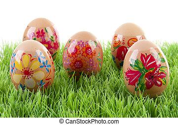 adornado, huevos de pollo, en, pasto o césped