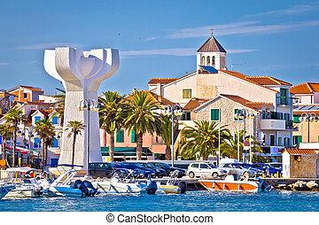 Adriatic town of Vodice view, tourist destination in ...